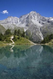 Switzerland, Wallis Alps, Val D'Herens, Lac Bleu - GWF00953