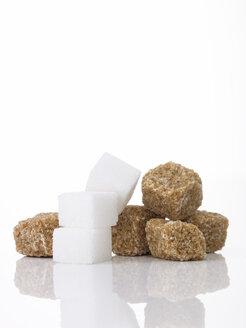 Sugar cubes and brown sugar - AKF00126