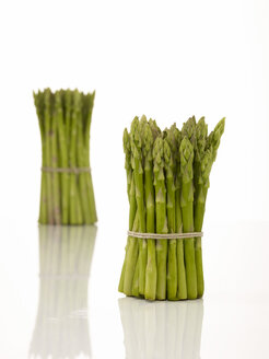 Bunch of green asparagus - AKF00105