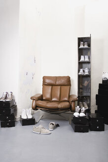 Shoe shop, interior, assortment of trainers - WESTF11129