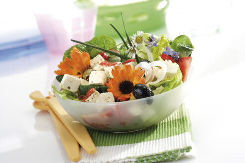 Mixed salad with edible flowers - 10356CS-U