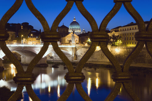 Italy, Rome, Vatican City, Basilica Saint Peter, seen from Ponte Vittorio Emmanuele - PSF00132