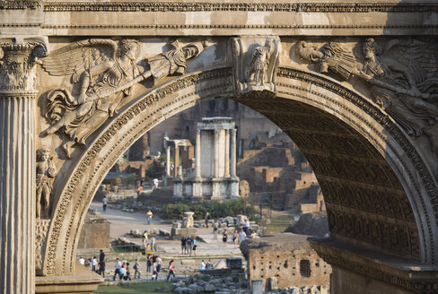 Italy, Rome, Arch of Septimius Severus, Temple of Vesta in background - PSF00075