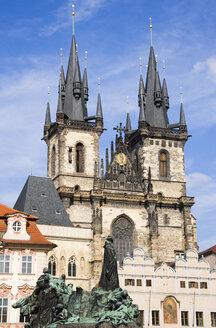 Czech Republic, Prague, Church of Our Lady before Tyn, monument in foreground - PSF00066