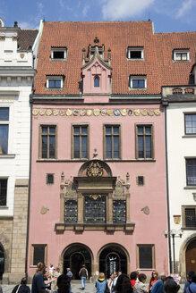Czech Republic, Prague, Town Hall facade, tourists - PSF00057