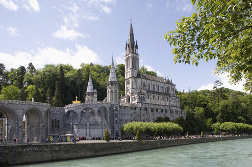 France, Lourdes, Basilica of the Rosary - WW00877