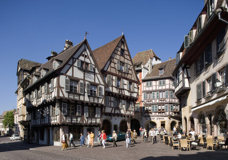 France, Colmar, Rue des Marchands, Frame houses and tourists - WW00862