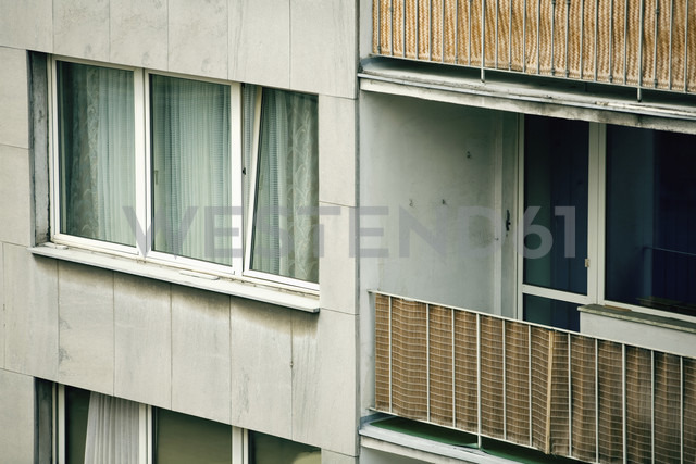 Germany, Düsseldorf, House facade with balcony, close-up - MF00377 - Mareen Fischinger/Westend61