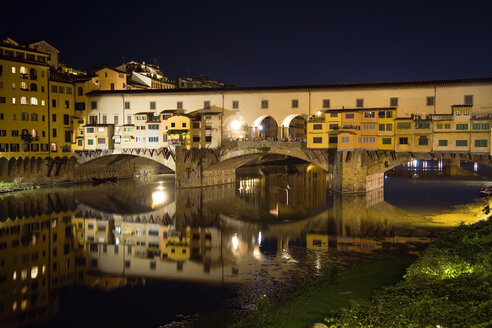 Italy, Florence, Ponte Vecchio at night - PSF00271