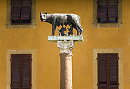 Italy, Tuscany, Pisa, Romulus and Remus Statue - PSF00256