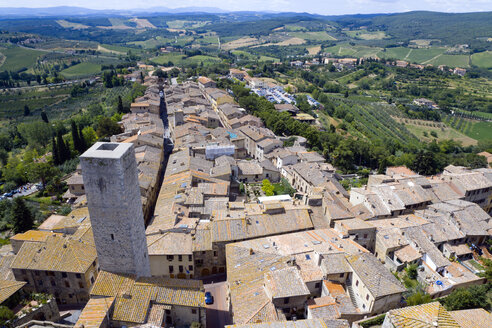 Italy, Tuscany, San Gimignano, Rooftops, elevated view - PSF00235