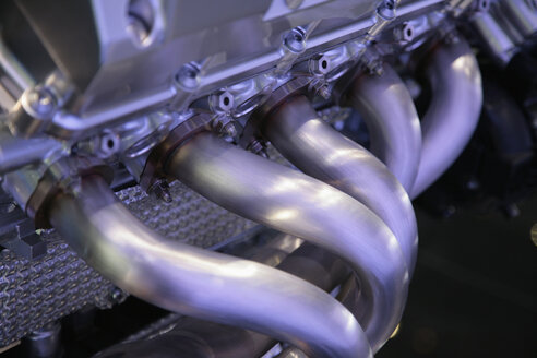 Car engine, close-up - KS00061