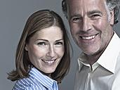 Couple smiling, portrait - WEST12304