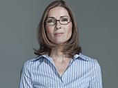 Woman wearing eye glasses, portrait - WEST12265