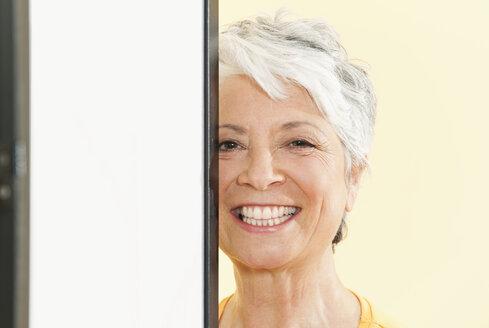 Senior woman smiling, portrait, close-up - WESTF12481