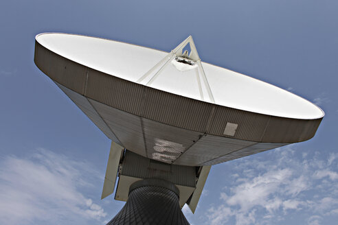Germany, Upper Bavaria, Raisting, Satellite dish, close-up, low angle view - KSF00067