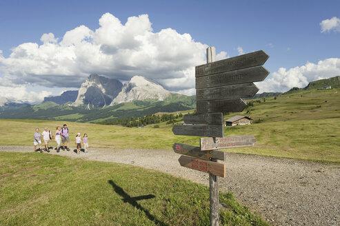 Italy, Seiseralm, Family hiking - WESTF13439