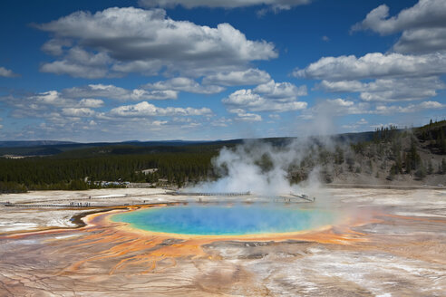 USA, Wyoming, Yellowstone National Park, Midway Geyser Basin - FOF01789