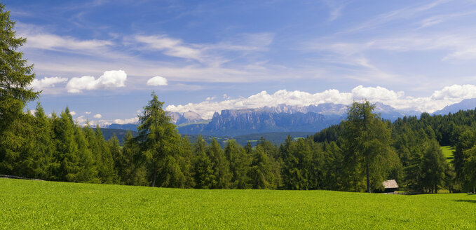 Italy, South Tyrol, Dolomite Alps, Panoramic view - SMF00539