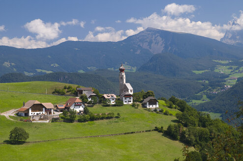 Italy, South Tyrol, Village Ritten, elevated view - SMF00530