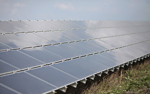 Germany, Bavaria, Penzing, Solar cells on solar plant - KSF00078