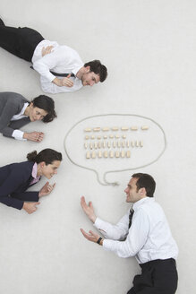 Business people and speech bubble, elevated view - BAEF00009