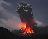 Japan, Kagoshima, Sakurajima volcano erupting - RMF00428