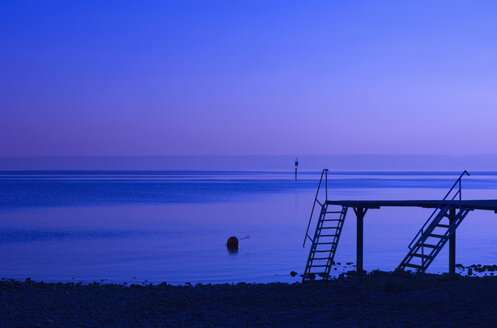 Germany, Immenstaad, Bodensee, View of calm lake at dusk - SMF00582