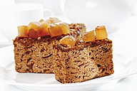 Ginger cake with candied ginger in plate - 13249CS-U