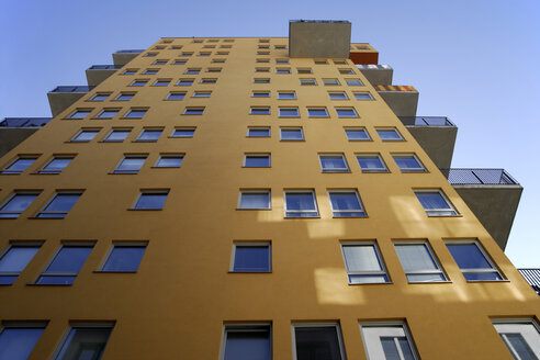 Germany, Munich, Low angle view of appartment building - TCF01313