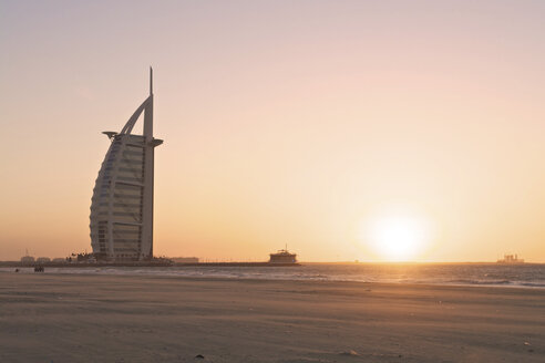United Arab Emirates, Burj al Arab at sunset - LFF000191