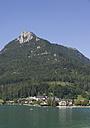 Austria, Salzkammergut, Fuschl, Schober, View of fuschlsee lake with mountain in background - WWF001484