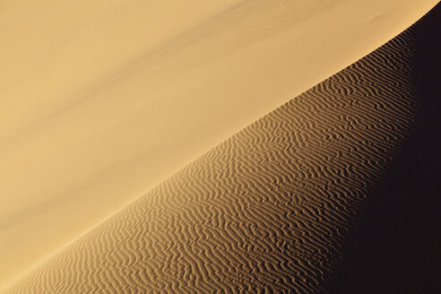 Africa, Namibia, Namib Naukluft National Park, View of sand dunes at the naravlei in the namib desert - FOF002443