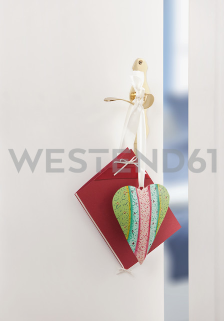 Heart and card for mother's day hanging on doorknob - WBF000245