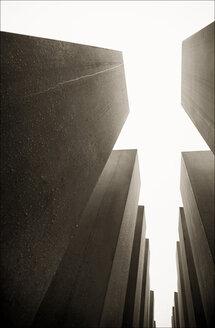 Germany, Berlin, Low angle view of Holocaust Memorial - MU000877