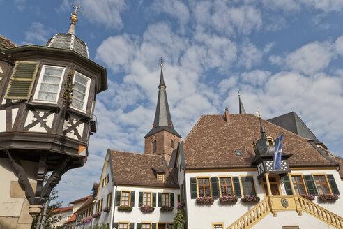 Germany, Rhineland-Palatinate, Palatinate, Deidesheim, German wine route, View of church at market place - WDF000757