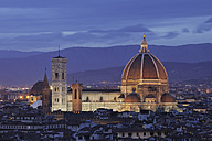 Italy, Tuscany, Florence, Palazzo Vecchio, View of Santa Maria del Fiore the dome of Florence at dusk - RUEF000569