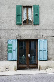 France, Saint-Barthélemy-Grozon, Ardèche, House with door and window - MUF000975