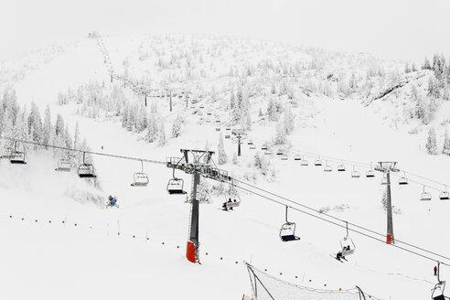 Austria, Lower Austria, Mostviertel, People at hochkar ski-region - SIEF000388