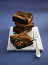 Brownies on plate, close-up - KSWF000690