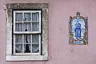 Portugal, Lisbon, Window and azulejo in bairro alto district - PSF000461