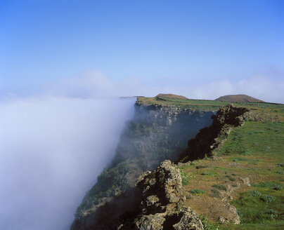 Spain, Canary Islands, El Hierro, View of clouds over mountain - SIEF001322