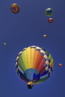 USA, New Mexico, Albuquerque, Air balloons at balloon fiesta - PSF000570