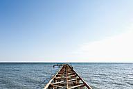 Turkey, Belek, View of rusty boat landing stage near sea - KJF000091