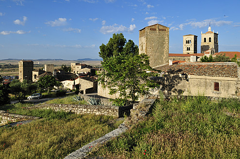 Europe, Spain, Extremadura, Trujillo, View of historic old town - ESF000102