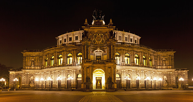 Germany, Saxony, View of Semperoper at night - FO003414
