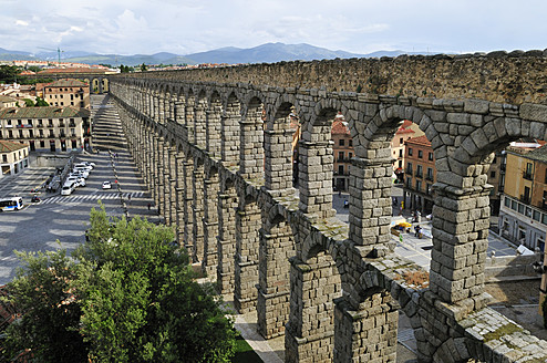 Europe, Spain, Castile and Leon, Segovia, View of city with roman aqueduct - ESF000138