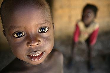 Africa, Guinea-Bissau, African boy portrait - DSG000094