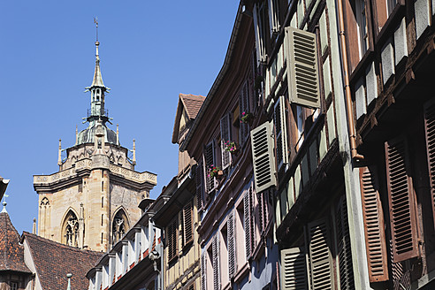 France, Alsace, Colmar, Haut-Rhin, Alsatian Wine Route, View of St. Martin church with city center - GWF001516