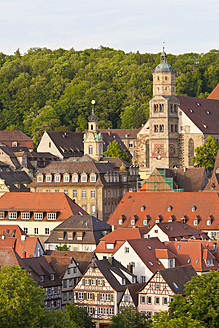 Germany, Baden-Wurttemberg, Schwabisch Hall, View of cityscape with St. Michael church - WDF000986